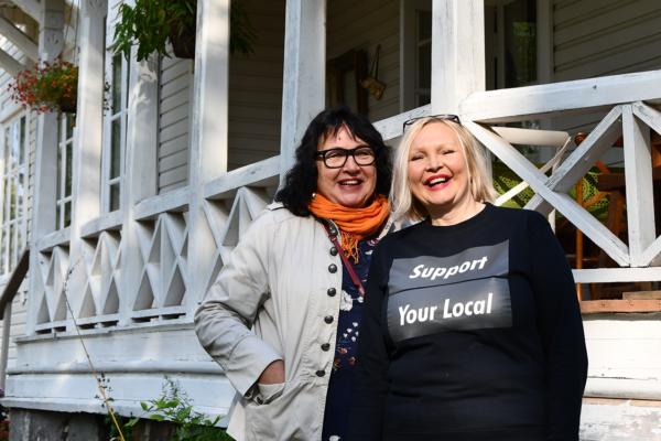 Naisverkosto loi uusia elämyspalveluita. Anne Mäkeläinen ja Irina Ravantti.