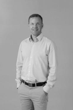 Jussi Puustinen, tapahtuman asiantuntija